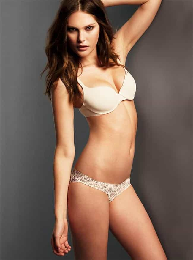 Catherine McNeil is listed (or ranked) 7 on the list The Hottest Celebrity Lesbians