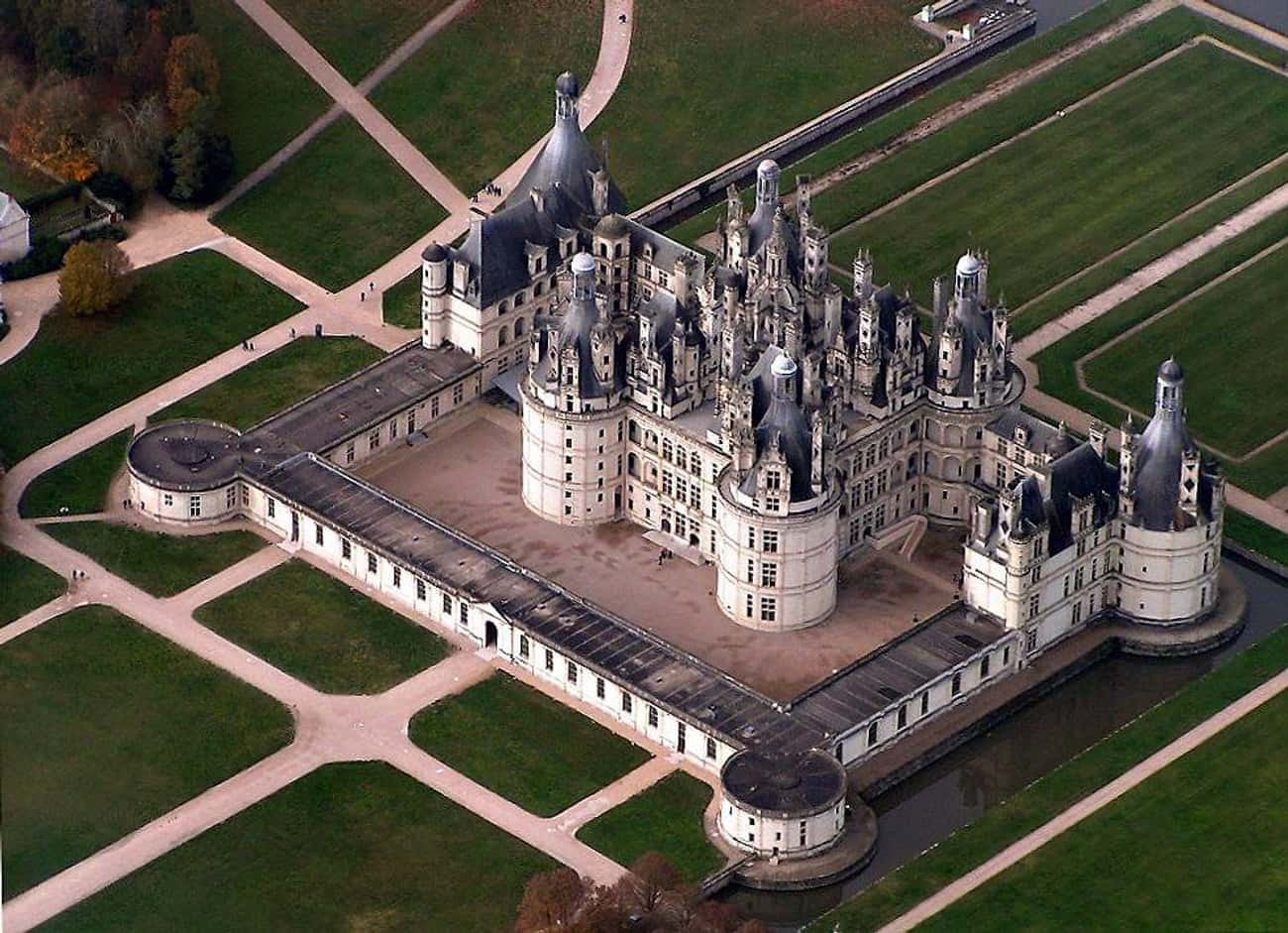 Château de Chambord is listed (or ranked) 4 on the list The Most Beautiful Castles in the World