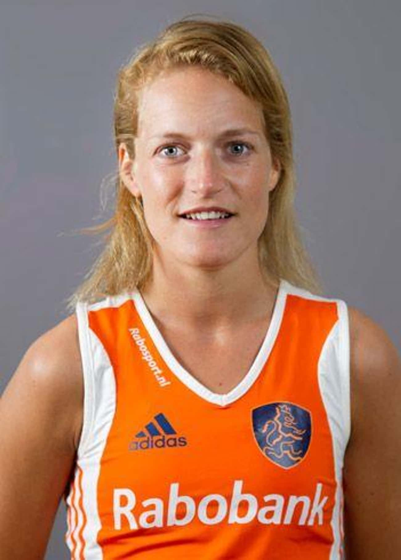 Carlien Dirkse van den Heuvel is listed (or ranked) 4 on the list Famous Field Hockey Players from the Netherlands