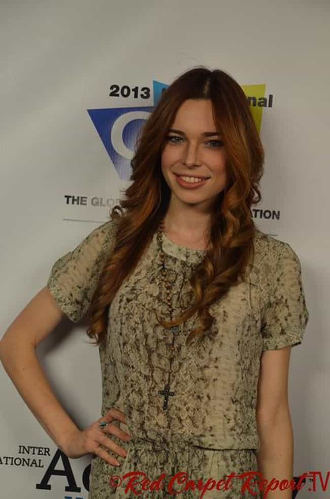 Chloe Dykstra is listed (or ranked) 2 on the list Chris Hardwick Loves and Hookups