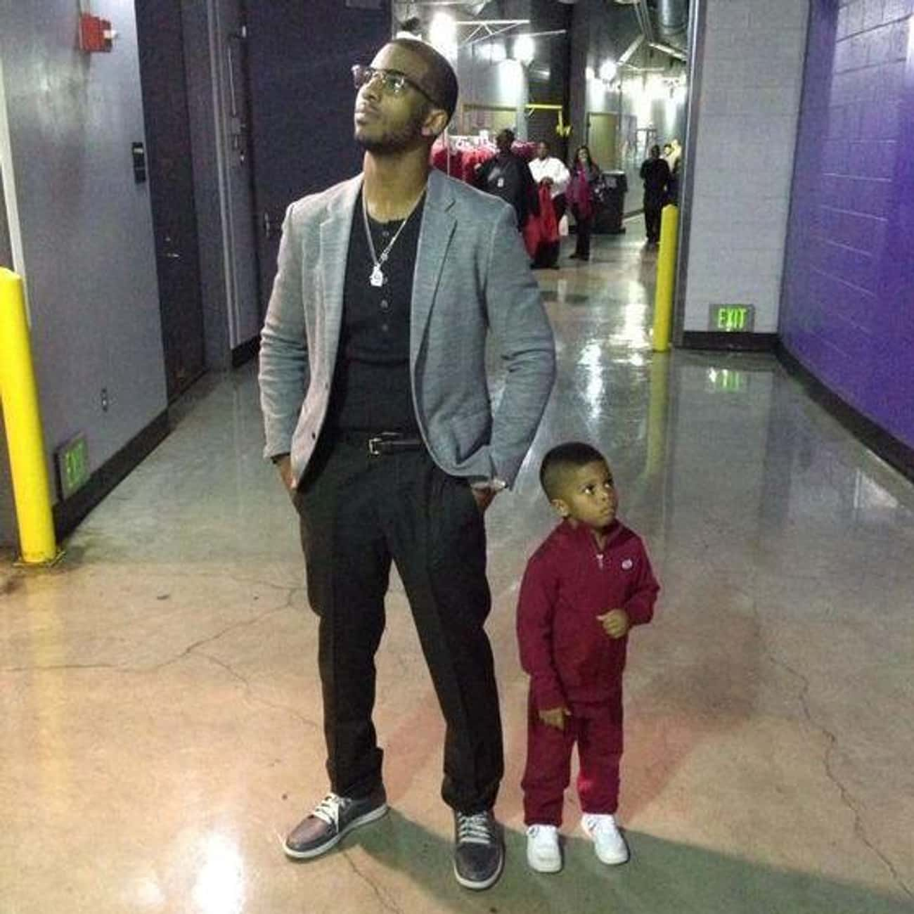 Chris Paul Strikes a Pose with His Son
