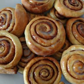 Cinnamon Rolls is listed (or ranked) 12 on the list The Most Comforting Comfort Food
