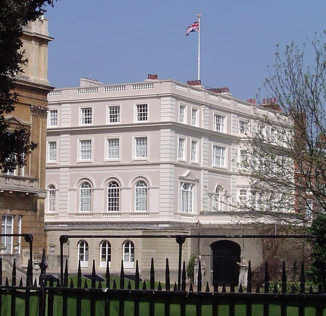 Clarence House is listed (or ranked) 8 on the list Which Royal Residence Would Be The Best Vacation Destination?