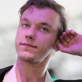 Max McElligott is listed (or ranked) 20 on the list The Best Male Vocalists In EDM, Ranked