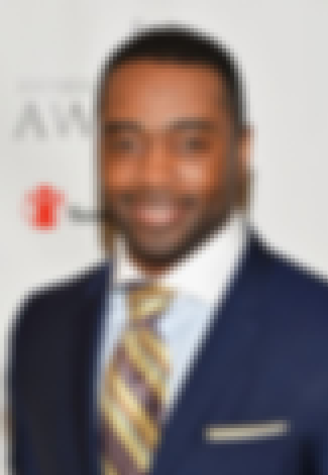 Curtis Martin is listed (or ranked) 7 on the list Famous Taylor Allderdice High School Alumni