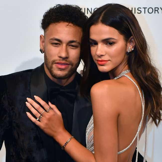 whos dating neymar new hookup website