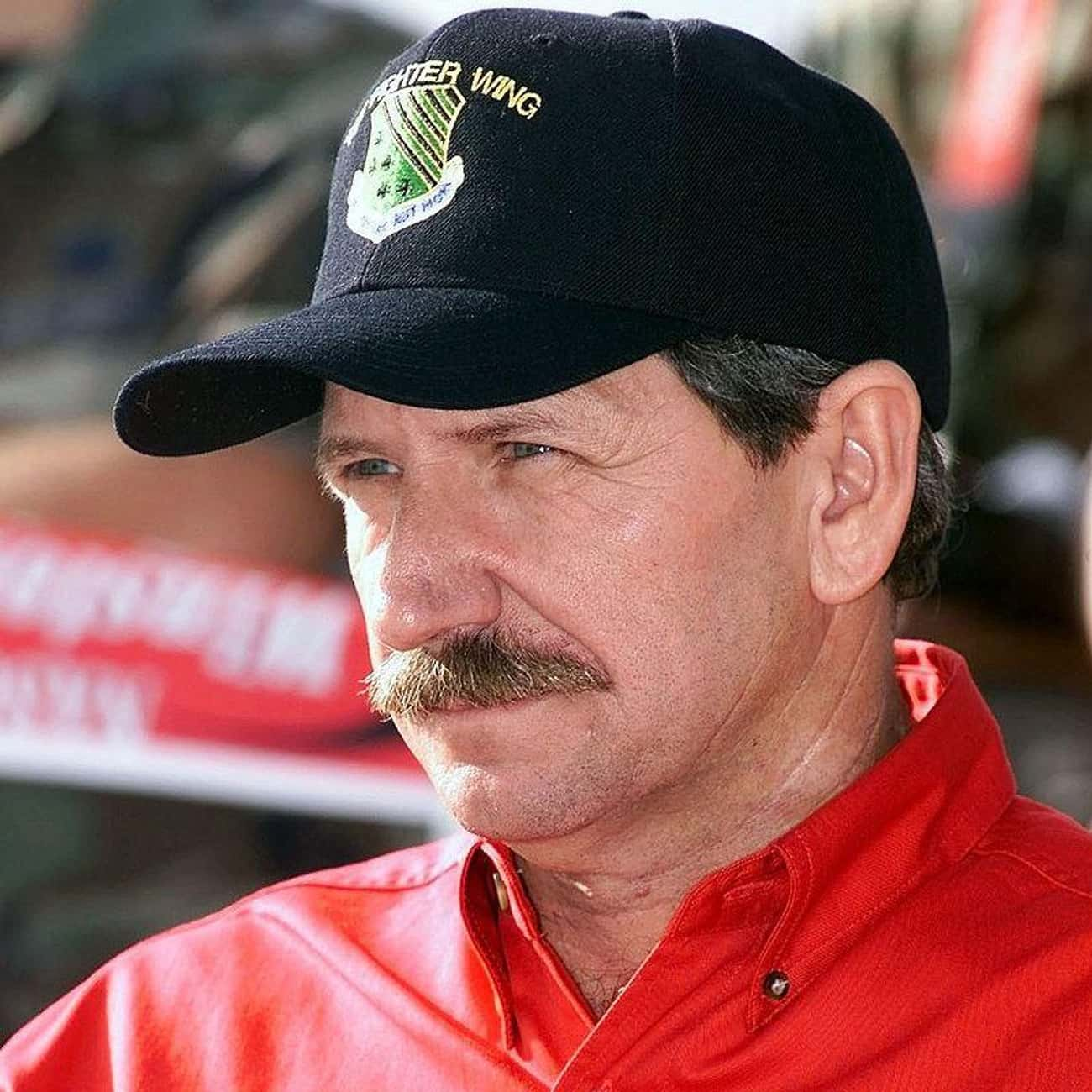 Dale Earnhardt is listed (or ranked) 4 on the list 25 Professional Athletes Who Died Young