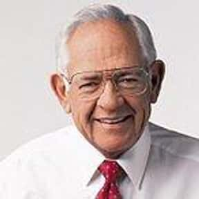 Dave Thomas is listed (or ranked) 15 on the list Famous People Who Died in 2002