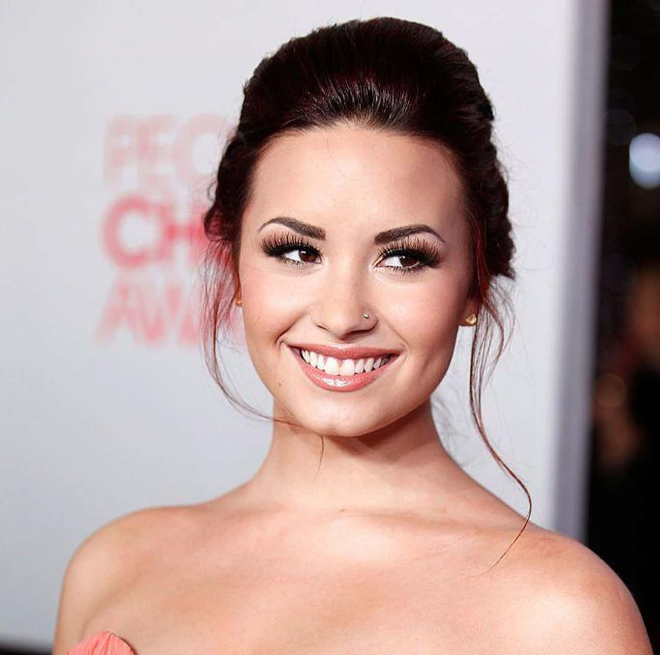 Demi Lovato is listed (or ranked) 1 on the list Famous Female Pianists