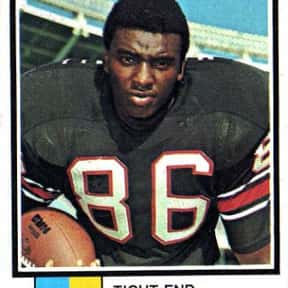 Jim Mitchell is listed (or ranked) 16 on the list The Best NFL Tight Ends of the '70s