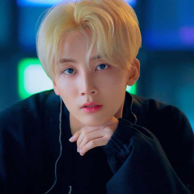 Jeonghan is listed (or ranked) 1 on the list Who Is Your Favorite SEVENTEEN Member?