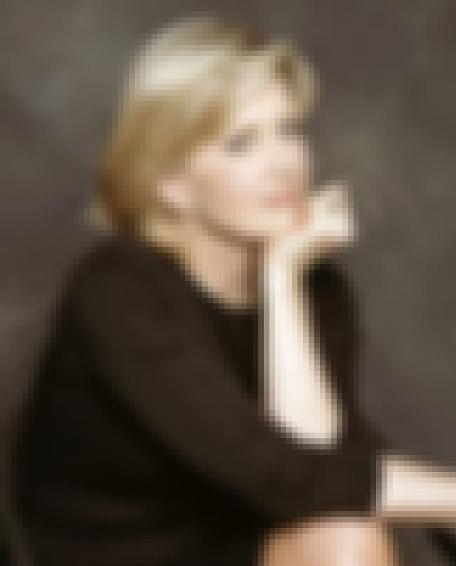Diane Sawyer is listed (or ranked) 4 on the list List of Famous Newscasters