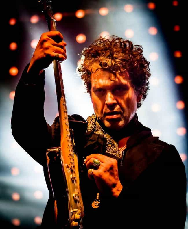 Doyle Bramhall II is listed (or ranked) 1 on the list Renee Zellweger's Loves & Hookups