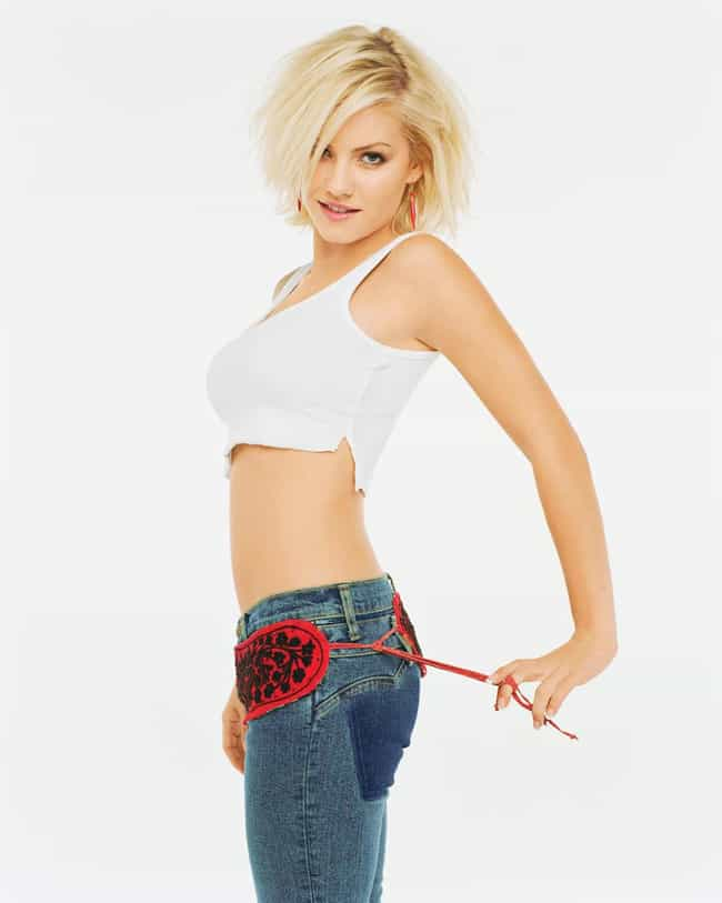 Elisha Cuthbert is listed (or ranked) 4 on the list Celeb Women Who Can Totally Pull Off Short Hair