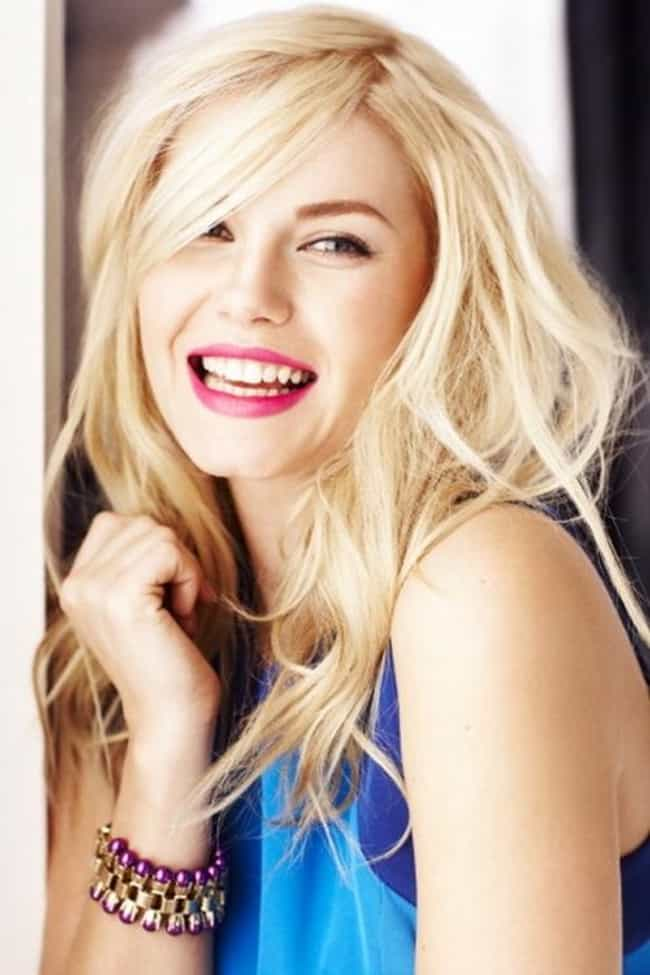 Elisha Cuthbert is listed (or ranked) 3 on the list The Best Celebrity Smiles (Women)