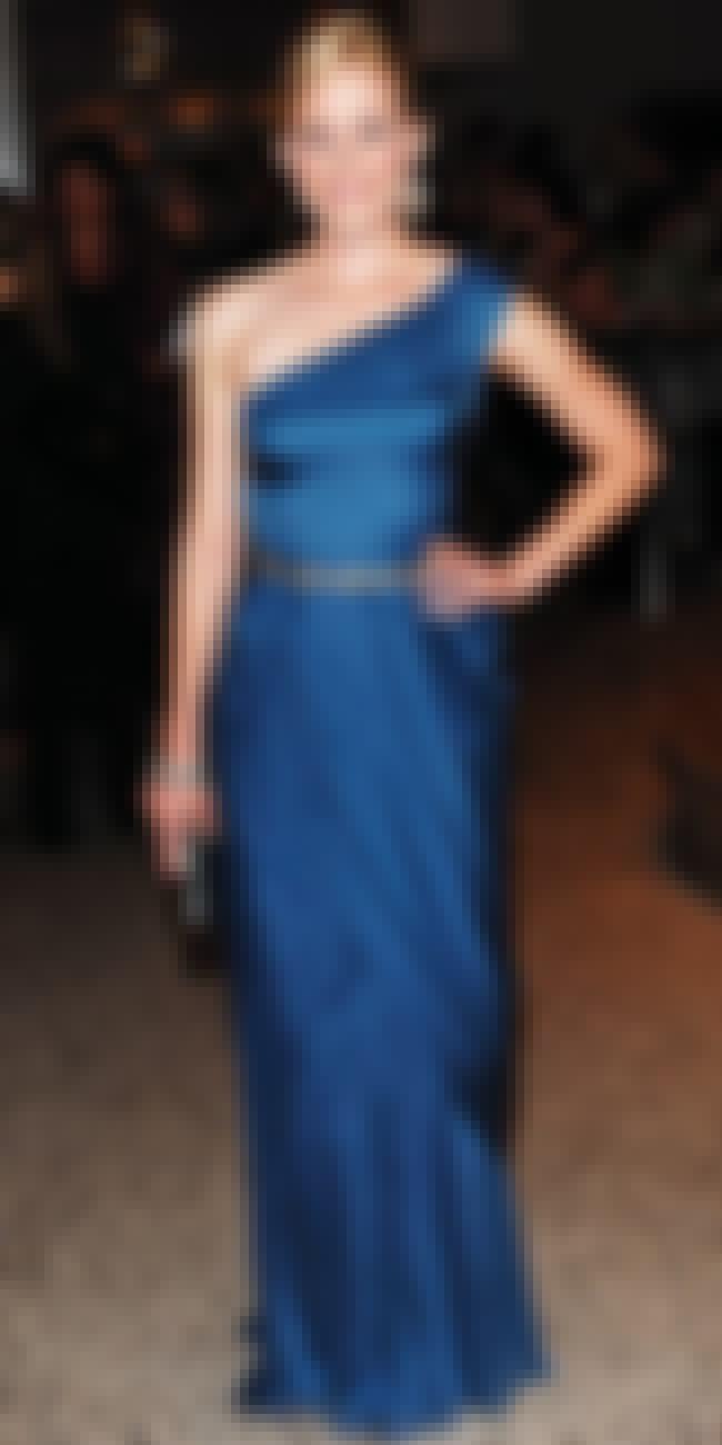 Elizabeth Banks is listed (or ranked) 4 on the list Alberta Ferretti Dressed on Celebrities