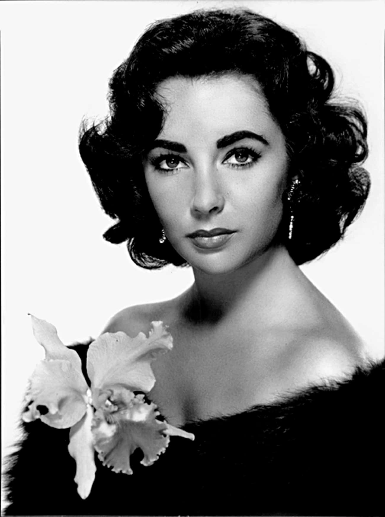Elizabeth Taylor is listed (or ranked) 4 on the list 27 Famous Christian Scientists