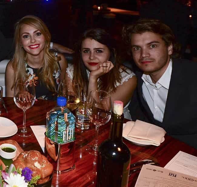 Emile Hirsch is listed (or ranked) 1 on the list AnnaSophia Robb Loves and Hookups