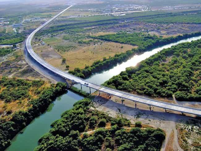 Anzalduas International Bridge is listed (or ranked) 2 on the list Bridges in Texas