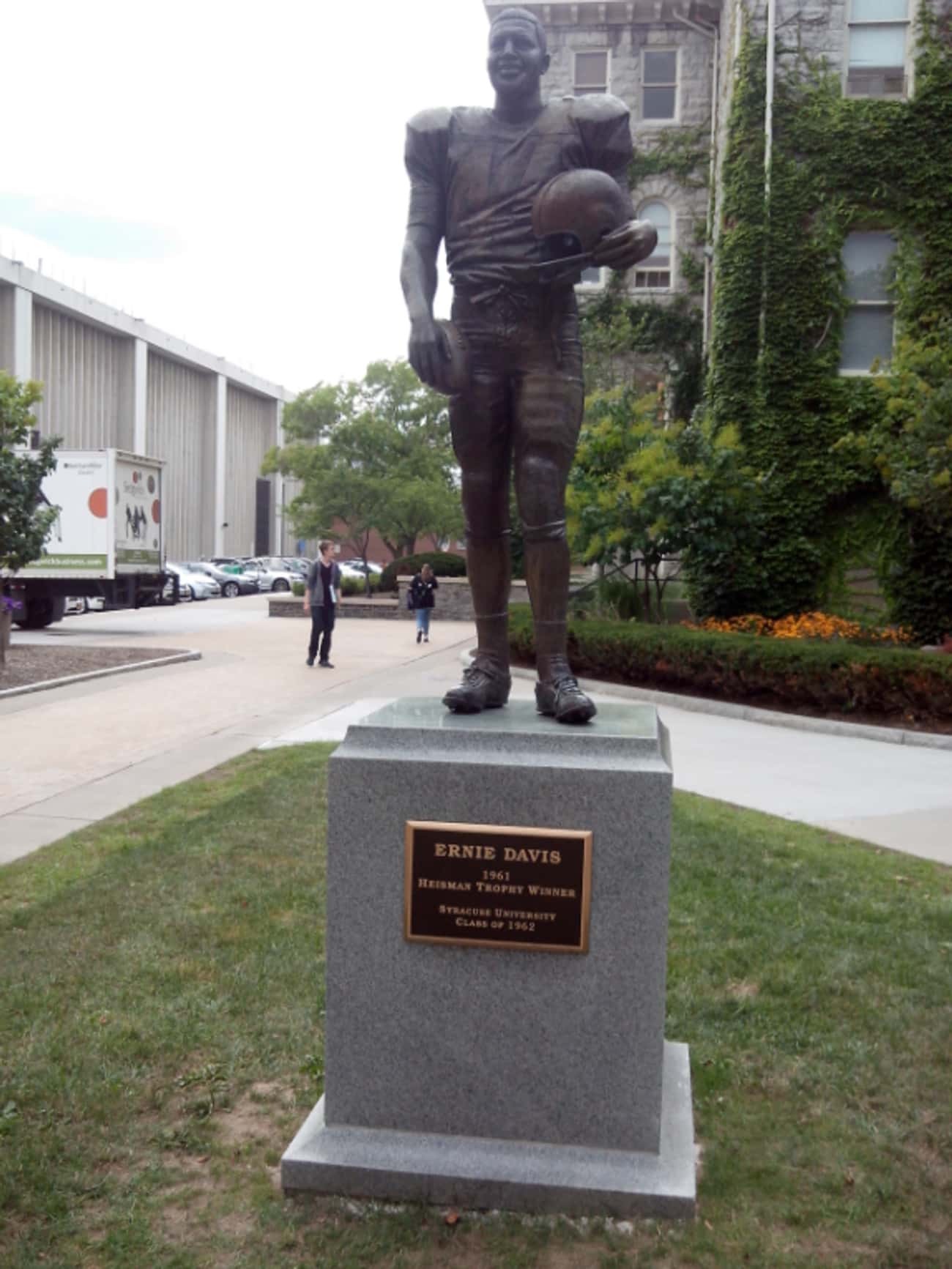 Ernie Davis is listed (or ranked) 4 on the list 18 Athletes Who Died of Cancer