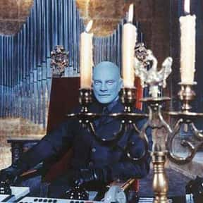 Fantomas is listed (or ranked) 14 on the list The Best Avant-garde Bands/Artists