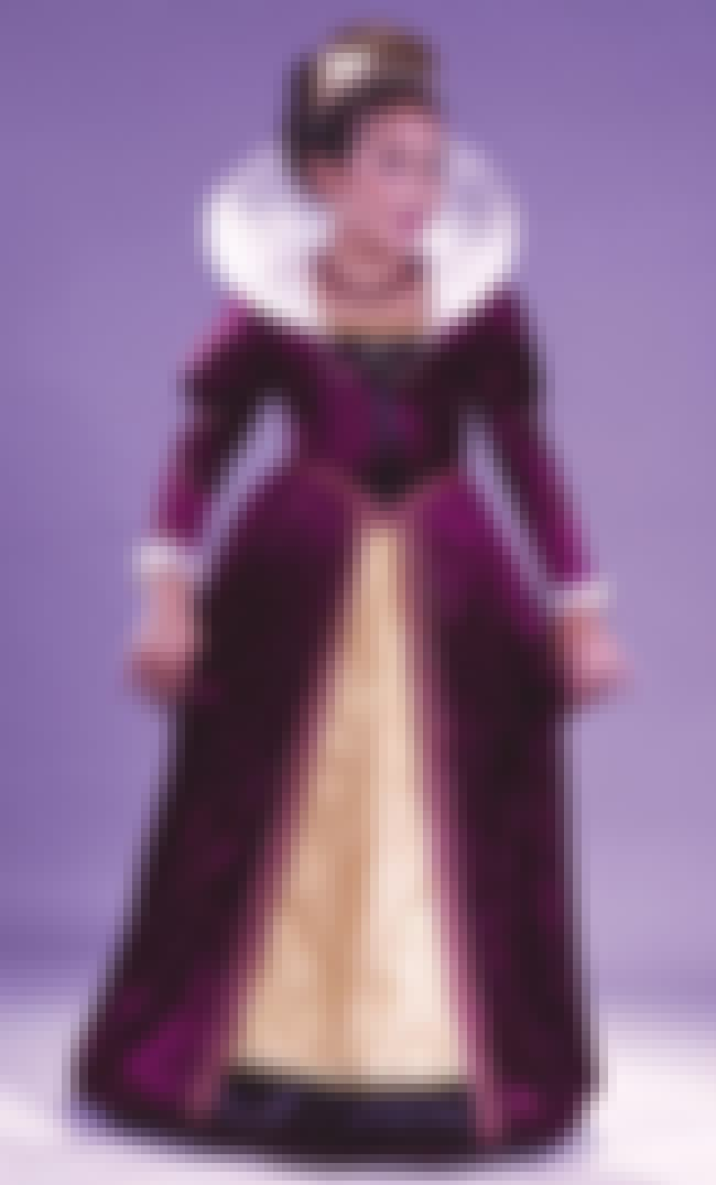 Elizabethan Queen is listed (or ranked) 11 on the list Halloween Costumes for Girls | Halloween Costume Ideas