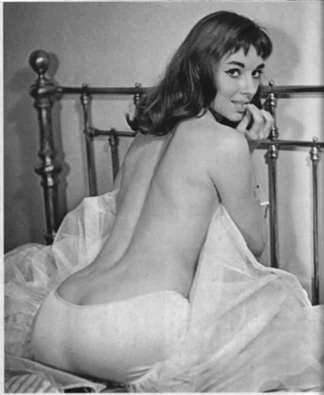 Nude wife on knees