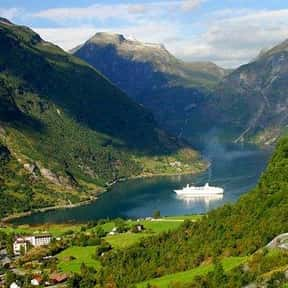 Fjords of Norway is listed (or ranked) 9 on the list The Most Beautiful Natural Wonders In The World