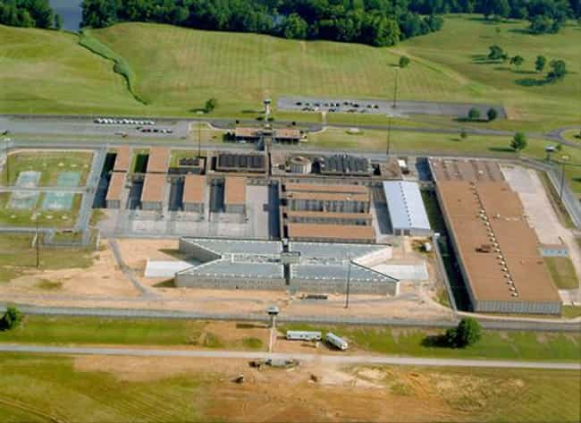 Federal Correctional Ins... is listed (or ranked) 2 on the list All Federal Prisons in Kentucky