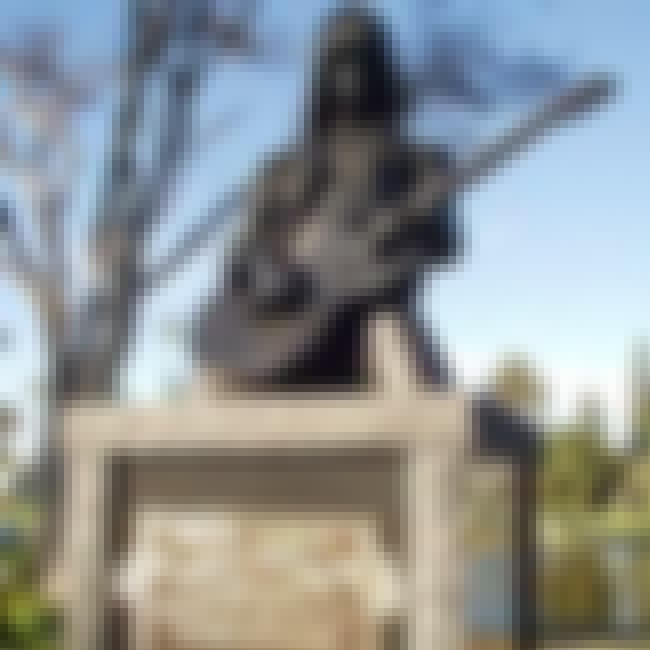 Johnny Ramone's Grave is listed (or ranked) 3 on the list The Best Rock Star Tombstones