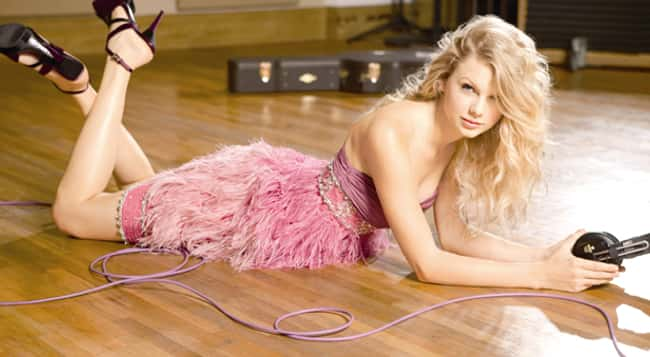 Taylor Swift Likes It on the F is listed (or ranked) 11 on the list The 26 Hottest Taylor Swift Pictures