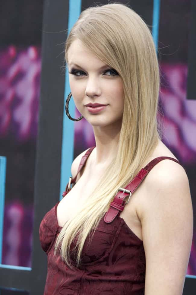Taylor Swift The Vampire Slaye is listed (or ranked) 9 on the list The 26 Hottest Taylor Swift Pictures
