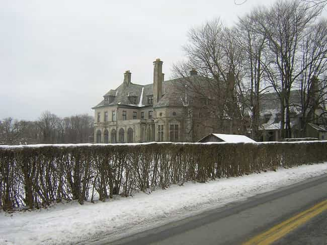 Carey Mansion is listed (or ranked) 1 on the list Castles in the United States