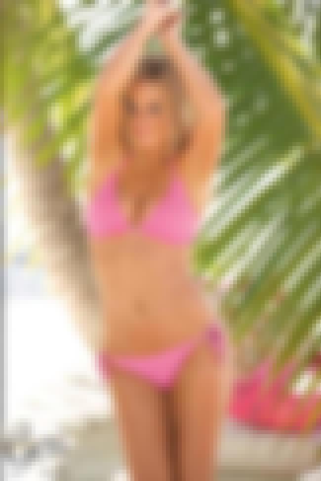 Geri Halliwell in Bora Columbi... is listed (or ranked) 4 on the list Hottest Geri Halliwell Photos
