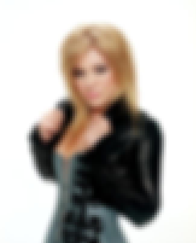 Kelly Clarkson in Meredith Sil... is listed (or ranked) 6 on the list The Hottest Kelly Clarkson Photos