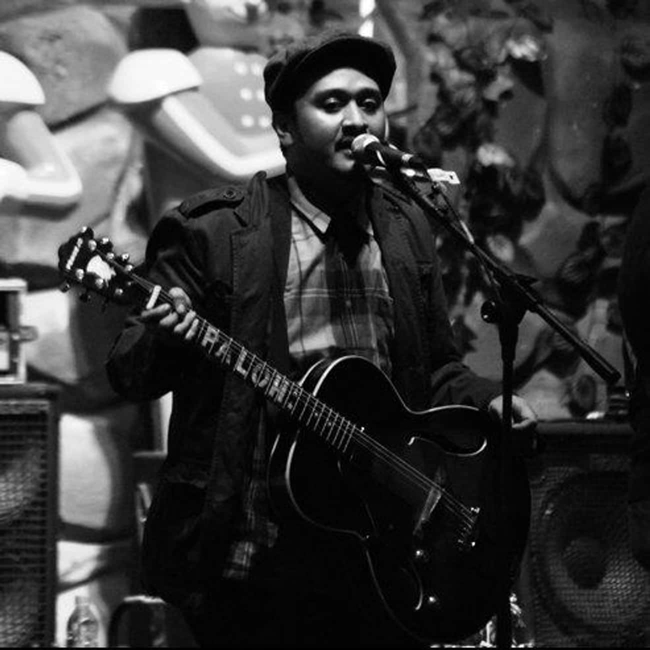 Ade Firza Paloh is listed (or ranked) 1 on the list Famous Left Handed Guitarists