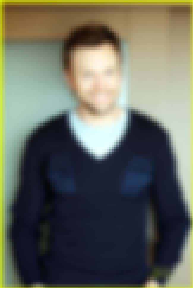 Joel McHale in Pocket Front Pl... is listed (or ranked) 4 on the list Hot Joel McHale Photos