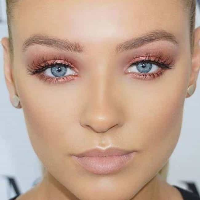 Best Eyeshadow Colors For Blue Eyes To