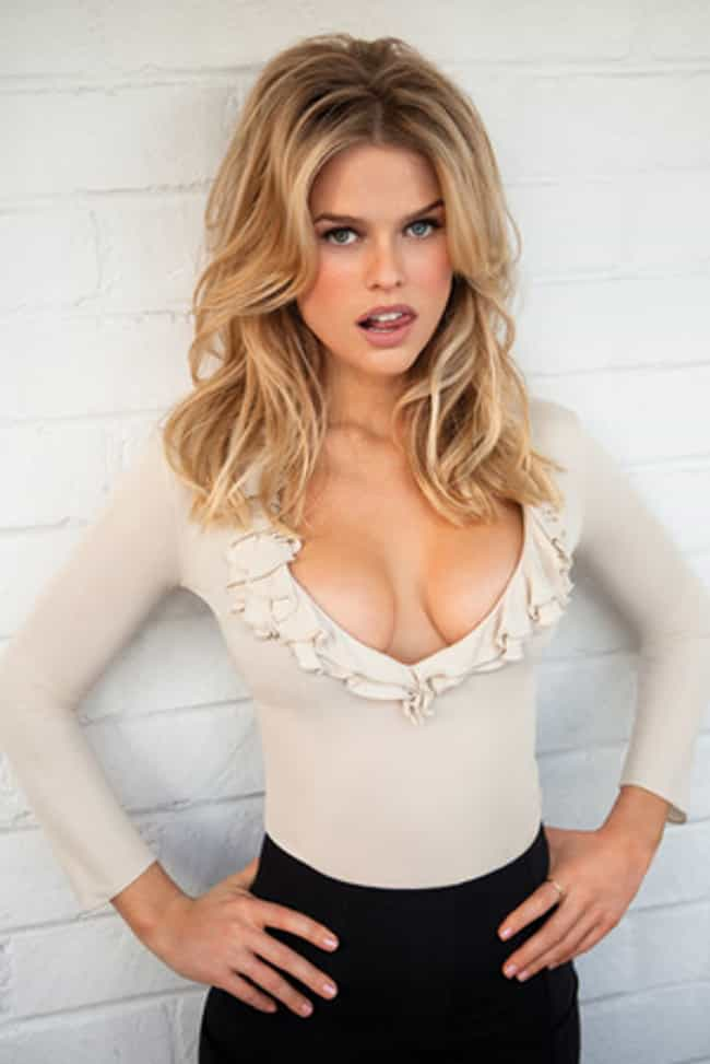 Alice Eve...Something...How 'B... is listed (or ranked) 2 on the list The 33 Hottest Alice Eve Photos