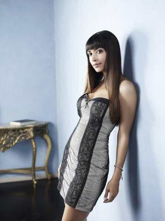 Hannah Simone in Strapless Dre... is listed (or ranked) 4 on the list The Hottest Hannah Simone Photos