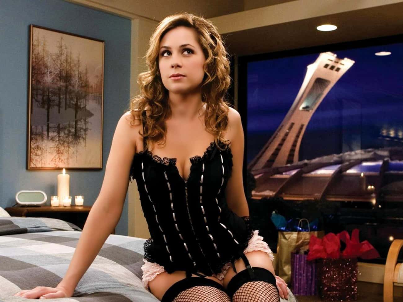 Jenna Fischer in Gathered Lace Corset