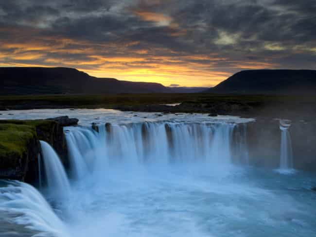 Dettifoss is listed (or ranked) 3 on the list The Top 9 Landmarks to Visit in Iceland