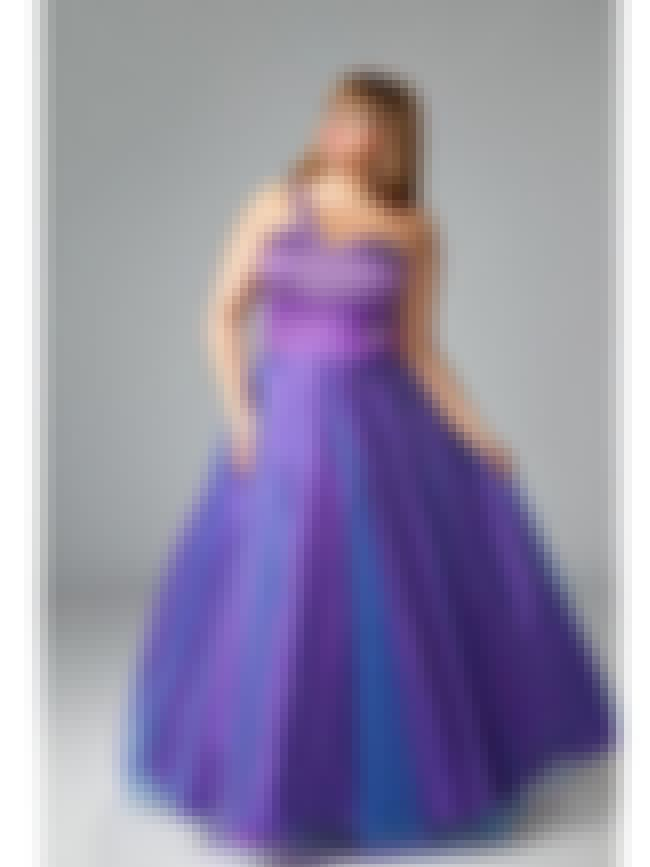 Sydney's Closet Fascination Vi... is listed (or ranked) 7 on the list Plus-Size Prom Dresses