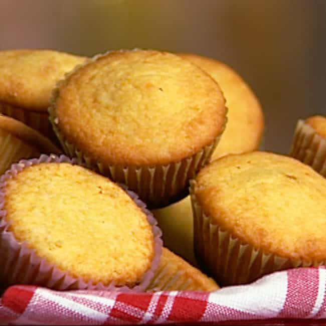 Cornbread Muffins is listed (or ranked) 4 on the list Famous Dave's Recipes