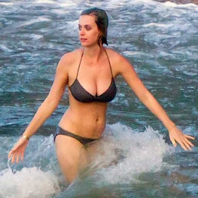 The 29 Hottest Pictures of Katy Perry in a Bikini