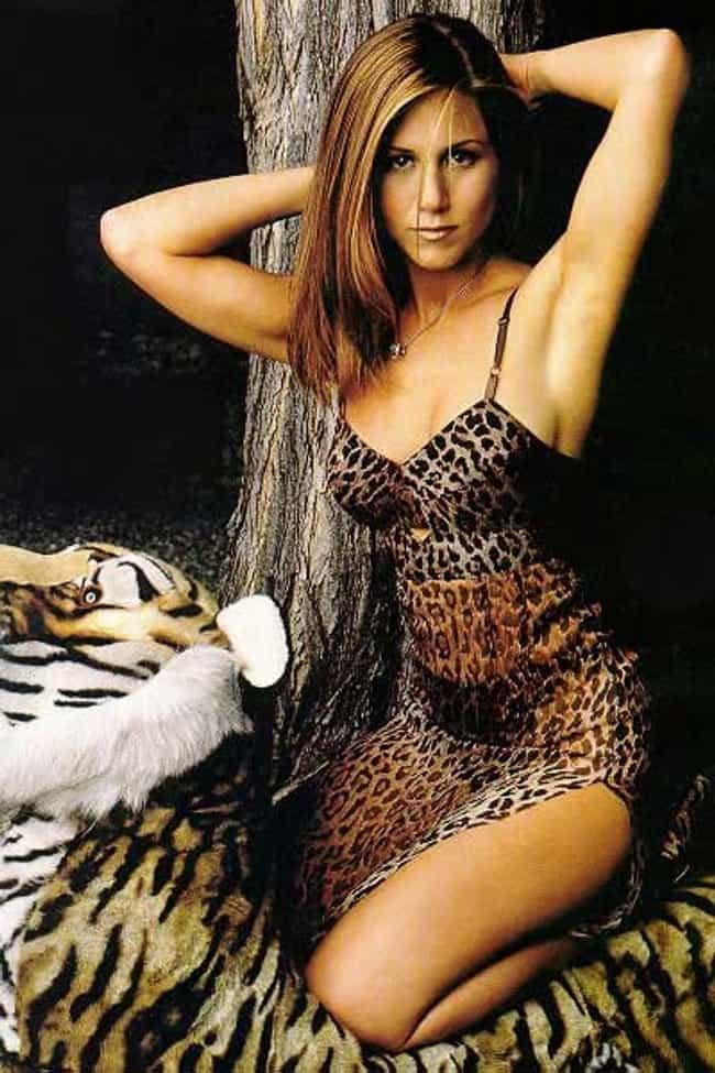 Jennifer aniston topless beach pics 6