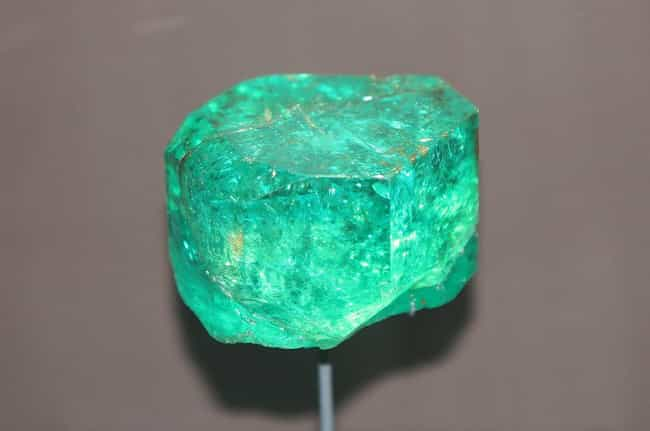 40.95-Carat Emerald is listed (or ranked) 1 on the list Amazing Things Found in Abandoned Luggage