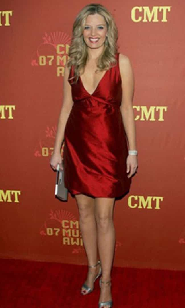 Melissa Peterman in Elegant Sa... is listed (or ranked) 4 on the list The Most Stunning Melissa Peterman Photos