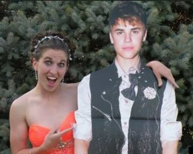 Justin Bieber Shows Up t... is listed (or ranked) 4 on the list The 7 Greatest Novelty Prom Dates