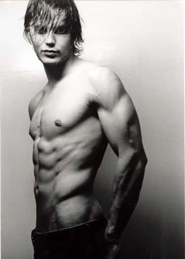 Taylor Kitsch in Shirtless Pose